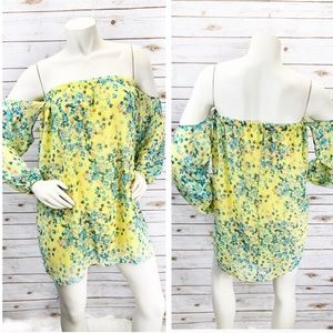 3/ $25 SALE! NWT The Hanger Floral Dress Sz S :EE8